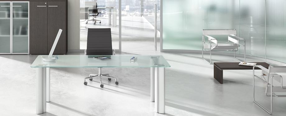 Mobili direzionali gamma ufficio srl - Scrivania cristallo ufficio ...